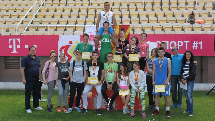 Со 12 медали се закитија атлетичарите од Кумановската гимназија