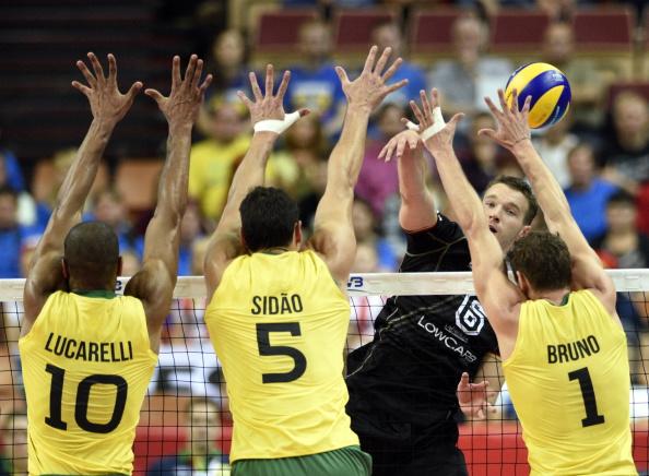 СП:Бразилците први полуфиналисти во одбојка