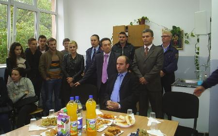 Баклава и јагнешко за средношколците Mакедонци за Курбан Бајрам
