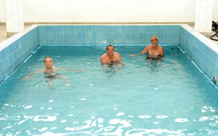 Над 200 пензионери бесплатно на бања