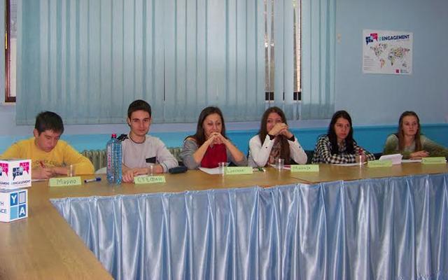 Млади кумановци се обучуваат за електронско ангажирање