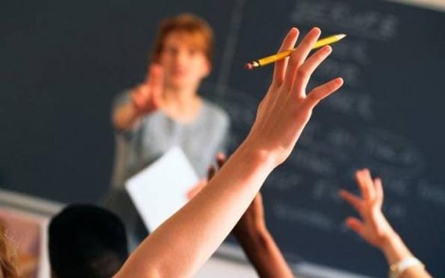 Заменските наставници собираат потписи за решавање на нивниот статус