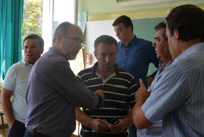 Општината испрати тешка механизација за поплавените населби
