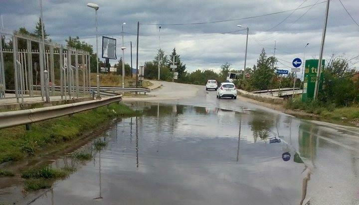 """Затворена дел од улицата """"ЈНА"""" се поставува атмосферска канализација"""
