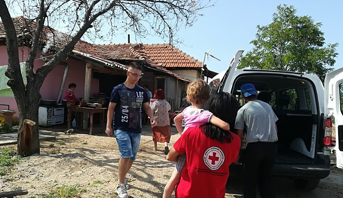 Хуманирана помош за 50 сиромашни семејства во кумановско