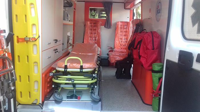 Кумановската болница доби санитетско возило од јапонска агенција
