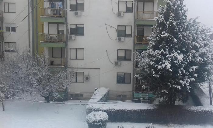 Во Куманово 6 сантиметри снег, температурата -2
