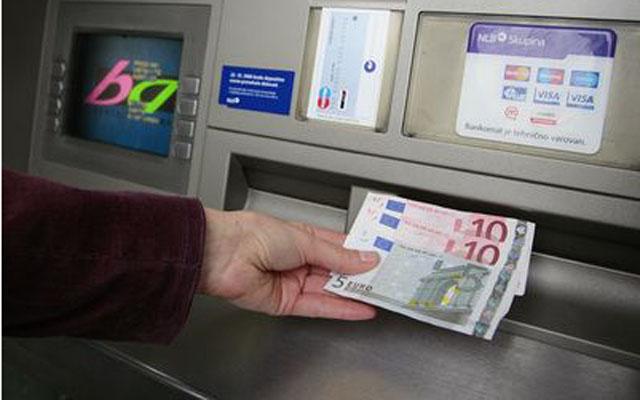 Паланчанец подигнал 1000 евра од картичка на кумановец