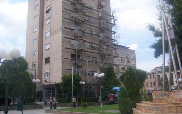 Се реновира фасадата на осмокатницата