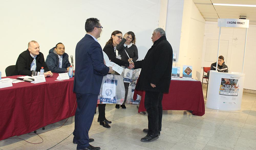 Дваесетина кумановци добија сертификати за градежни работи