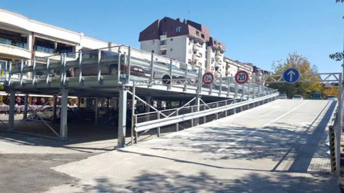 Три катни гаражи најави градоначалникот Димитриевски