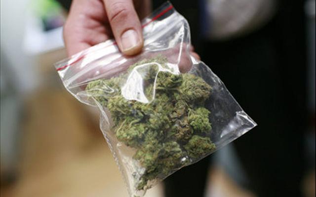 Авганистанец продавал марихуана во Лојане