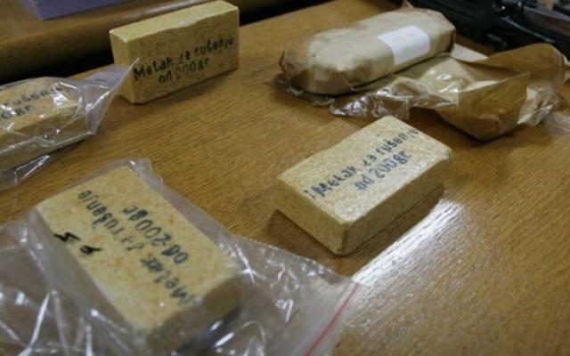 Кај уапсените кумановци најдени 800 грама експлозив