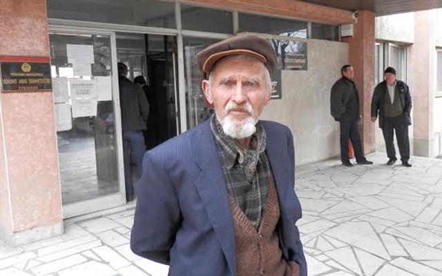 Започна судењето на старецот што уби крадец