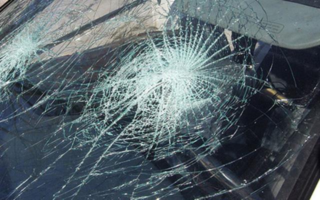 Четворица повредени во судир на матиз и голф