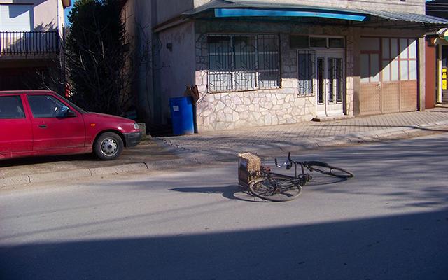 """Велосипедист повреден во сообраќајка на """"Никола Тесла"""""""