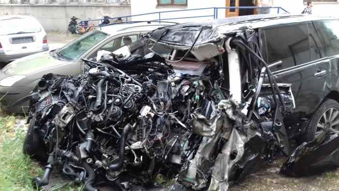 Детали од вчерашната сообраќајка, тешко повредени патници во џипот