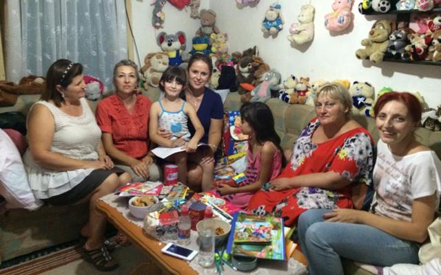 Жените од ВМРО-ДПМНЕ донираа училишен прибор