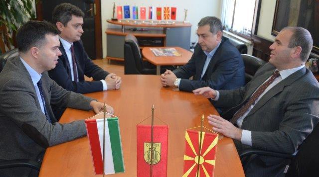Унгарскиот амбасадор во посета на Куманово
