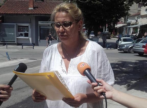 Работниците со пили и мотокултиватори да останат во центарот на градот, бара ВМРО-ДПМНЕ